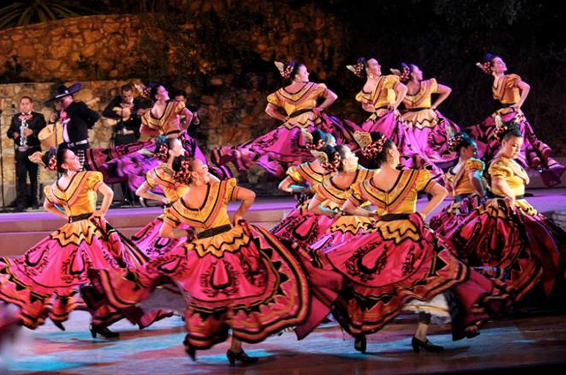 Jan. 19 through 21 — ¡Viva el Arte de Santa Barbara! to present Grandeza Mexicana: A Festive Mosaic of Mexico's Dance Traditions in free concerts